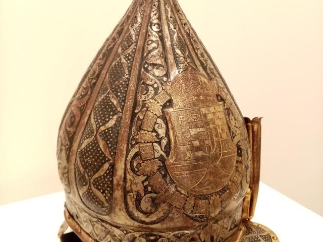 Koronázáson, temetésen is része volt a testőri viseletnek