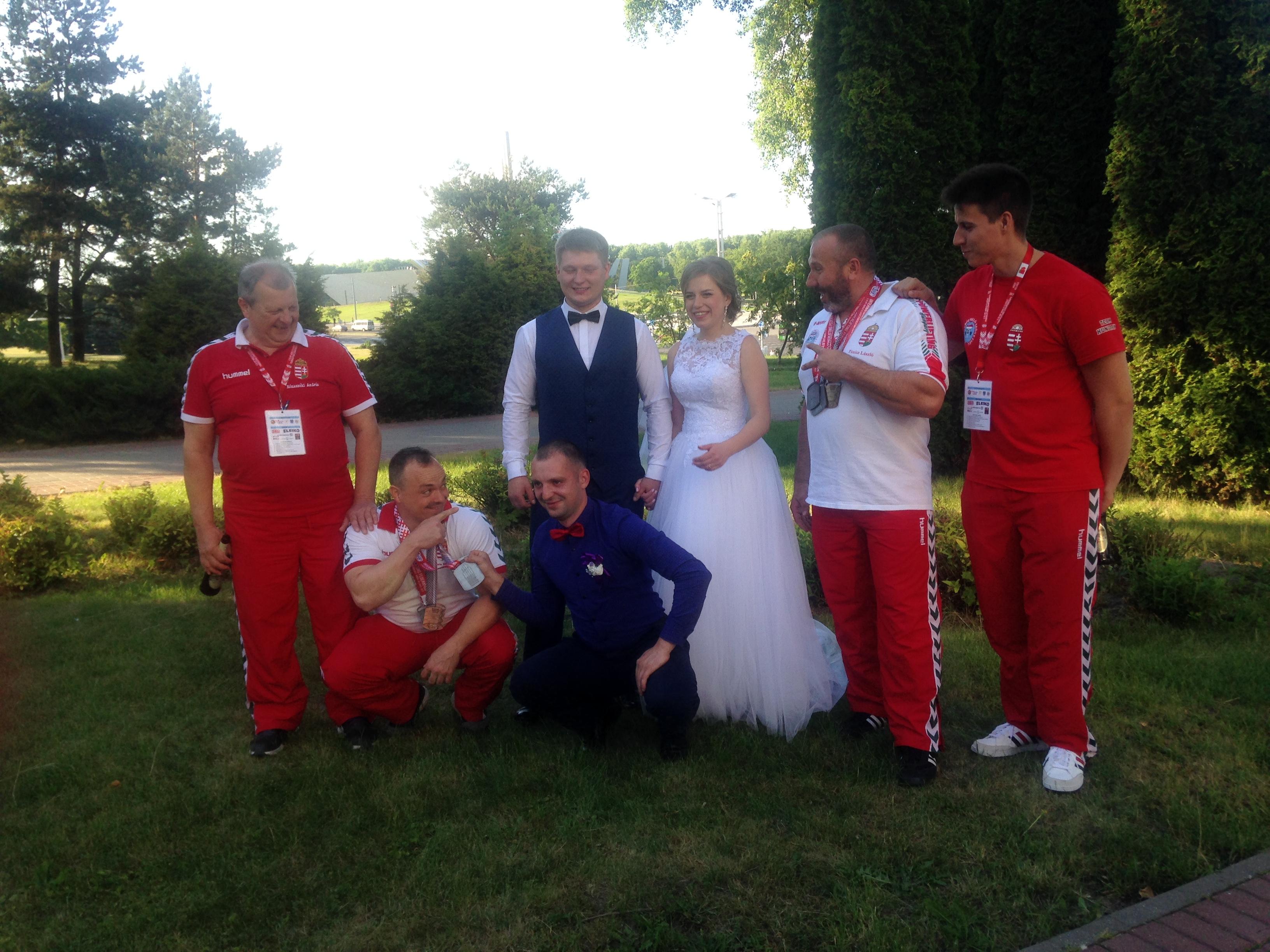 A bajnokokat belorusz esküvőre is meghívták!