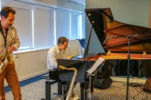 Jótékonysági koncertet szerveztek a Szcientológia Egyházban a beteg gyermekek megsegítésére