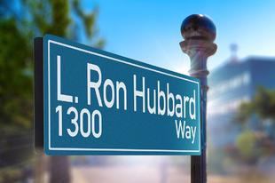 Utcát neveztek el a Szcientológia alapítójáról