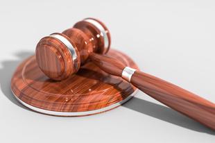 Miért nyernek meg minden fontos jogi csatát a szcientológusok?