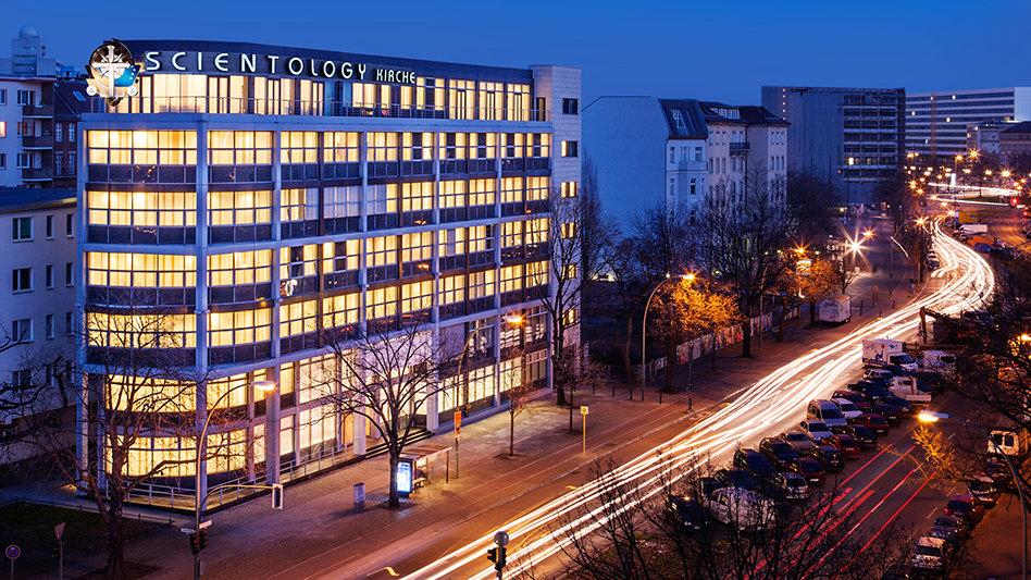 church-of-scientology-berlin-exterior-night_o8m0900_hu.jpg