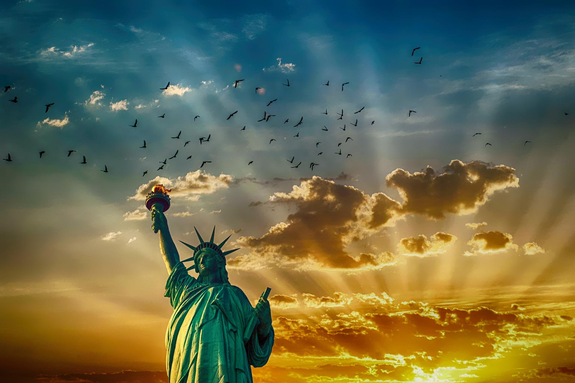 statue-of-liberty-2501264_1920.jpg