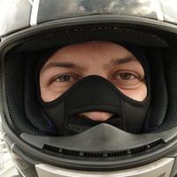 Motorozom, de nincs elég hideg