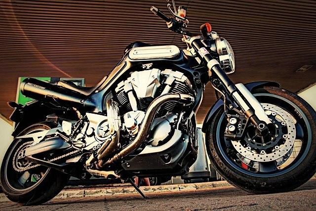 Yamaha MT-01_4.jpg
