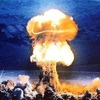 Illik-e az utcai harcosok kupájára benevezni egy atombombát?