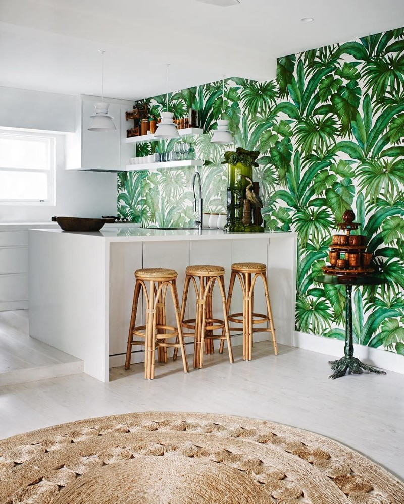 interior-design-trends-2018-tropical-prints-8.jpg