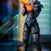 Én vagyok Commander Shepard, és ez a kedvenc cosplayem a Citadellán