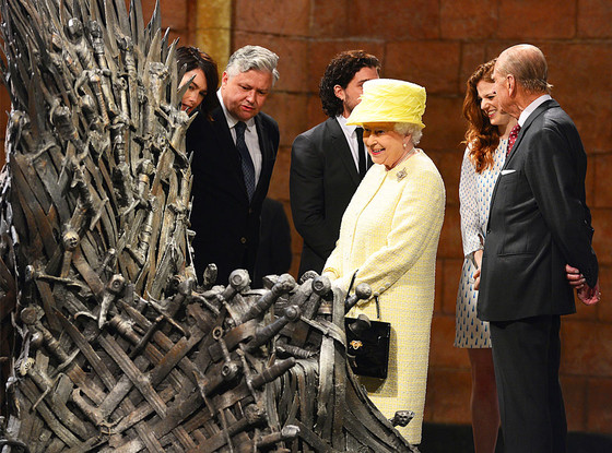 rs_560x415-140624062458-1024.Queen-Elizabeth-Game-Of-Thrones-JR1-62414_copy.jpg
