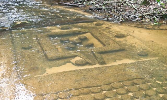 Kbal-Spean-Angkor-Cambodia-2.jpg