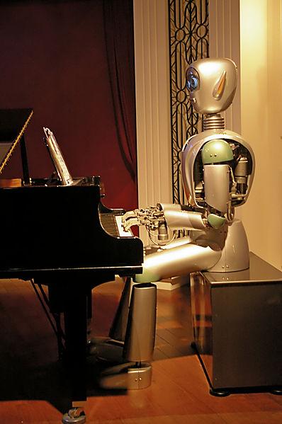 Robot play at piano.jpg