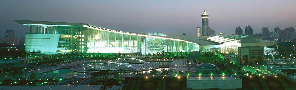 Shanghai_Science_and_Technology_Museum_Exterior_Photo.jpg