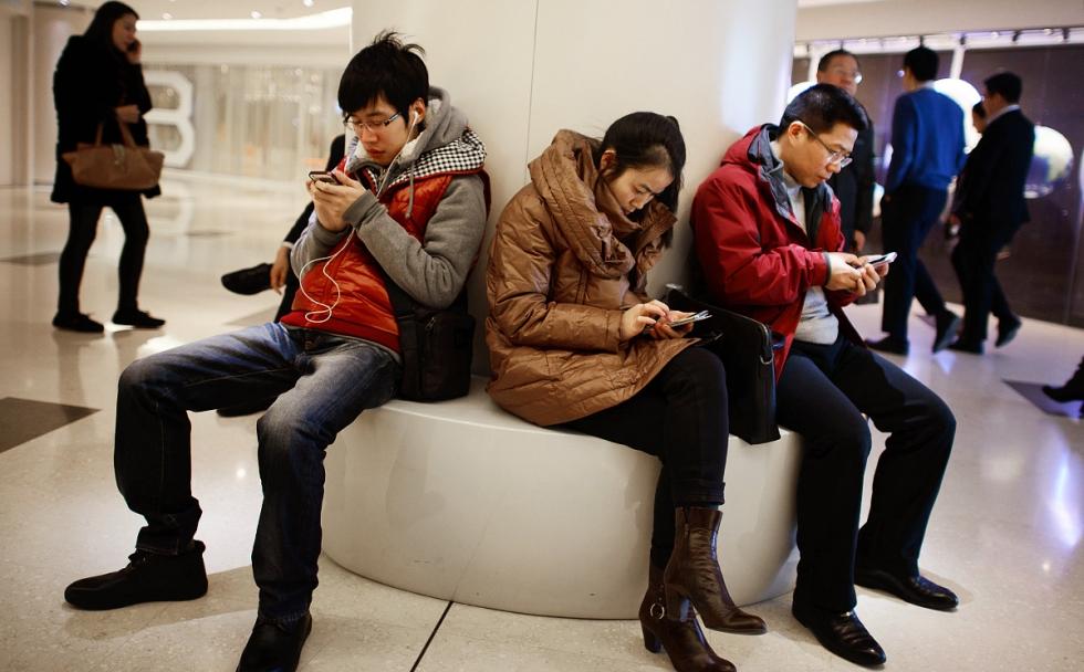 cn-cellphones.jpg