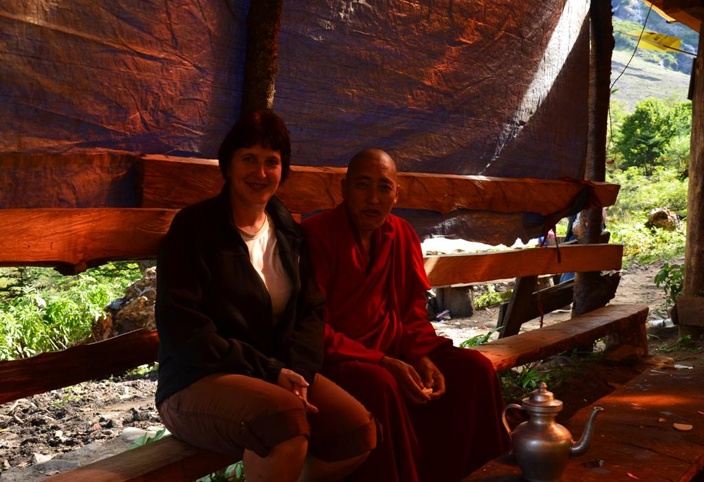 a szerzetes baratsagos volt, lepennyel kinalt bennunket