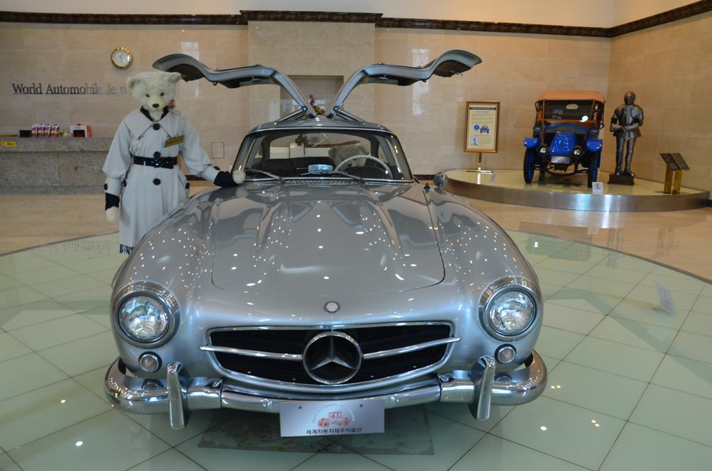 A Mercedes Benz 300SL elerte a 270 km/ ora sebesseget 1956-ban