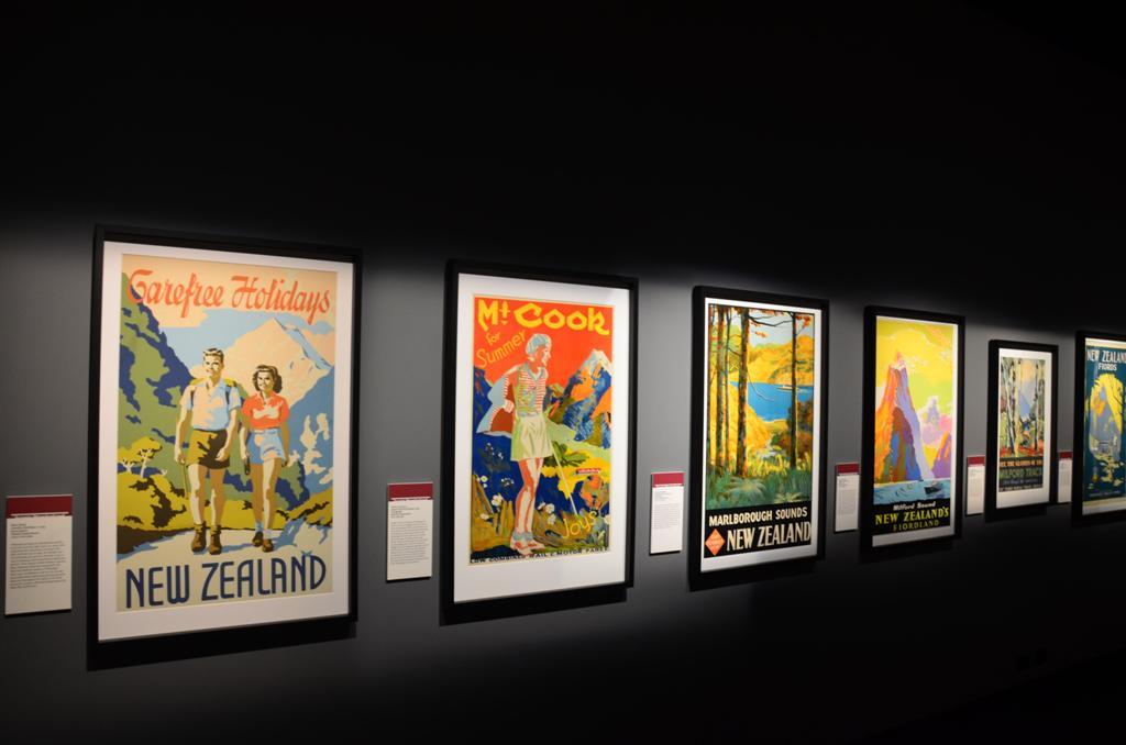 plakatok Uj Zeland nepszerusitesere a turistak, kalandvagyok, horgaszok...stb. koreben
