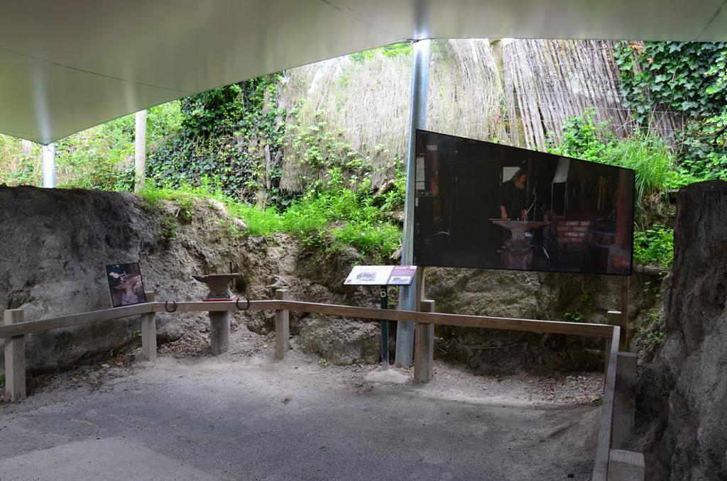 ket oldalon latszik a vulkani hamu magassaga
