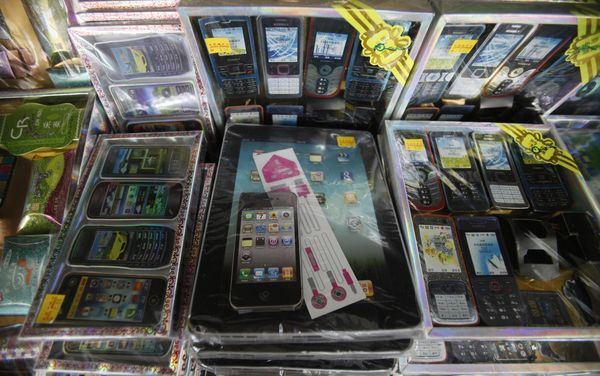 paper iPhones and iPads.jpg