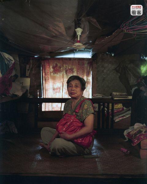 Wang Xiuying, 72,has been living in Shibati for 26 years.<br /><br />Wang Xiuying, 72 eves. 26 eve el Shibatiban.