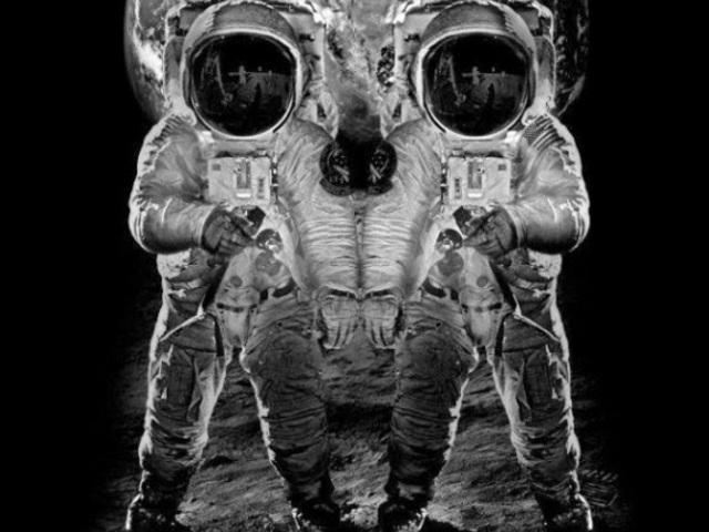 Ha innen nézed űrhajós, ha onnan, koponya