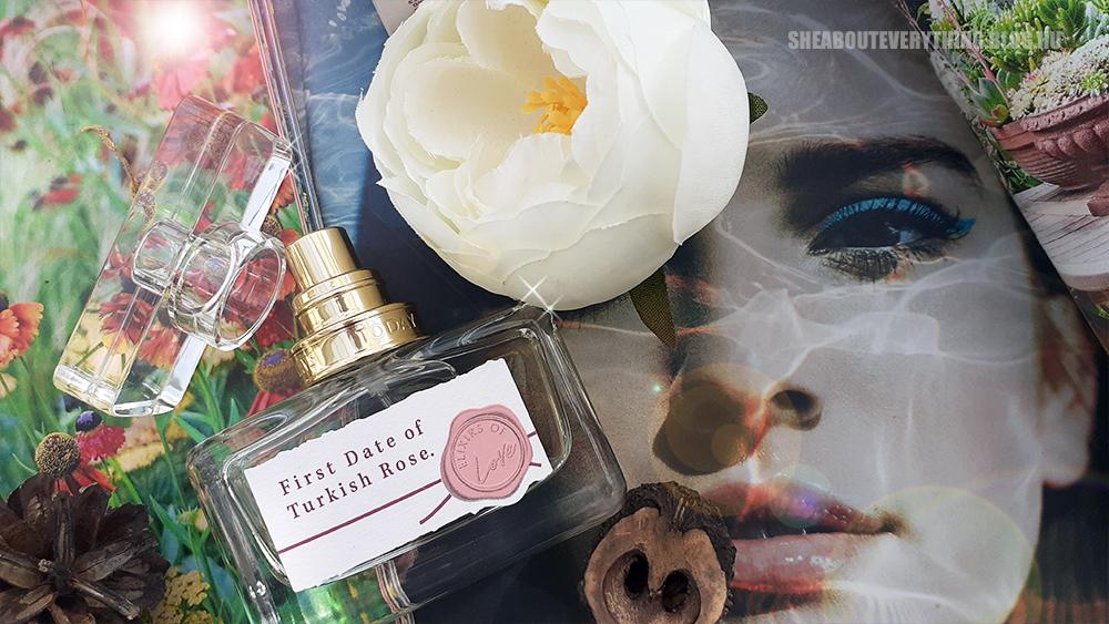 A szamóca és a rózsa romantikus randija