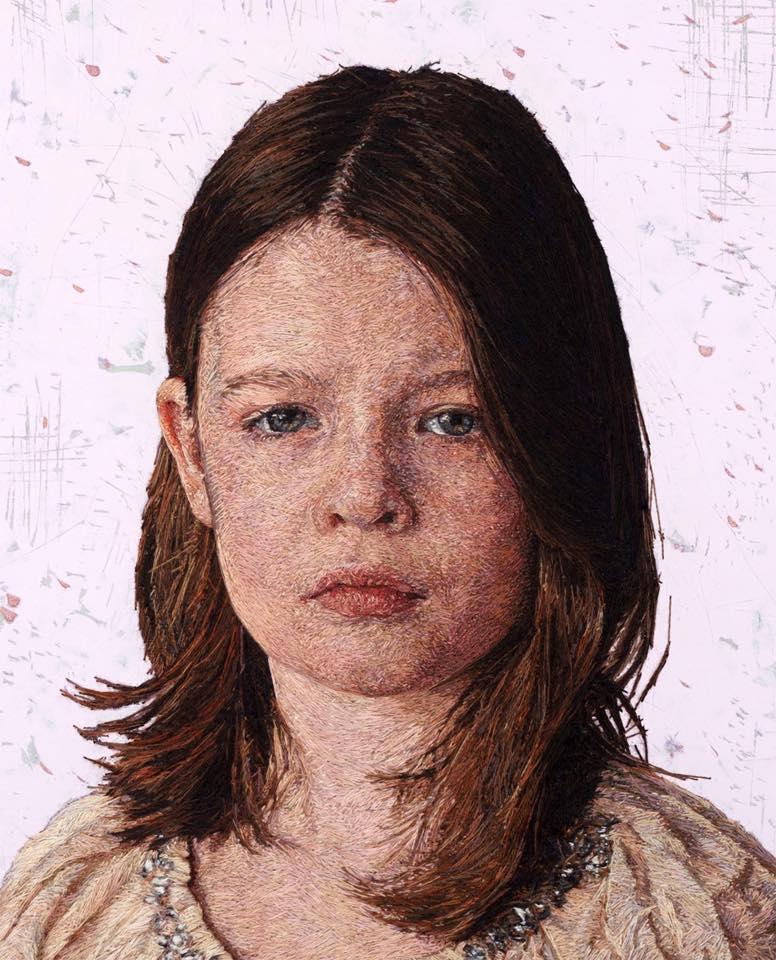 Hiperrealisztikus portrék tűvel, cérnával