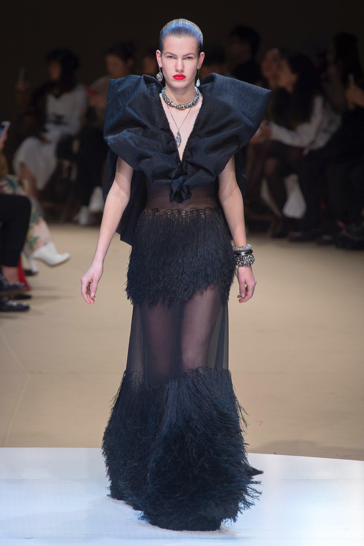 alexander_mc_queen_look_42_ready_to_wear_autumn_2018.jpeg