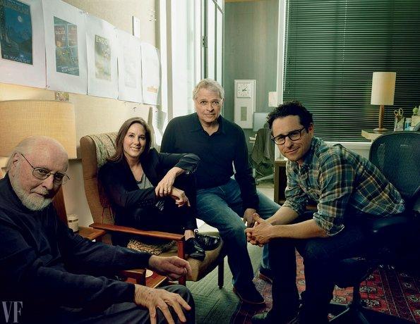 És a kreatívok: John Williams, Kathleen Kennedy producer, Lawrence Kasdan,Abrams.