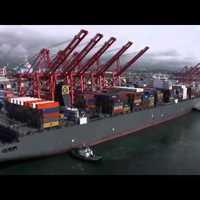 A világ legnagyobb konténerszállítójának magyar a parancsnoka