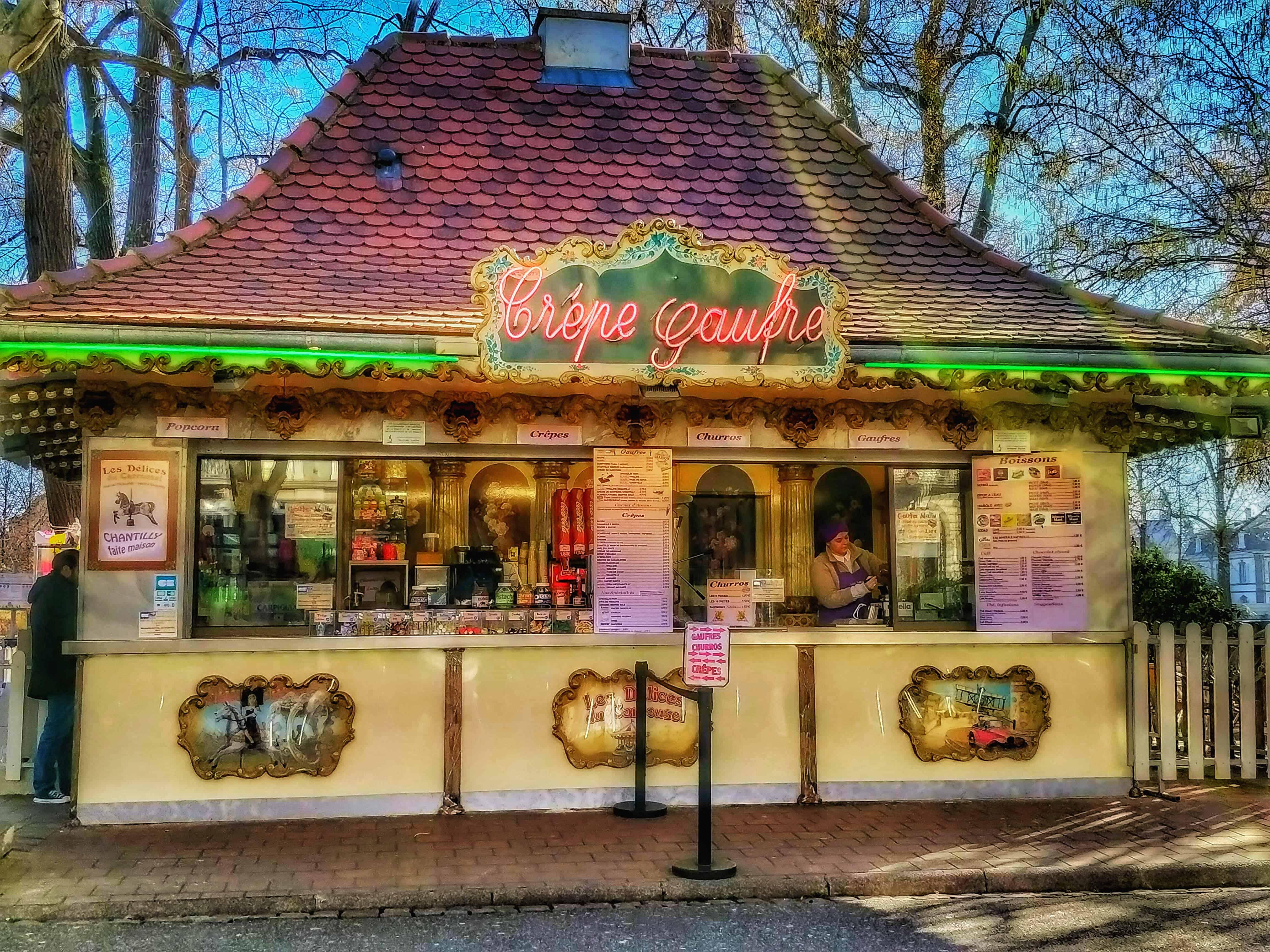 Crépe Gaufre, a Champ de Mars téren álló régies francia cukrászda
