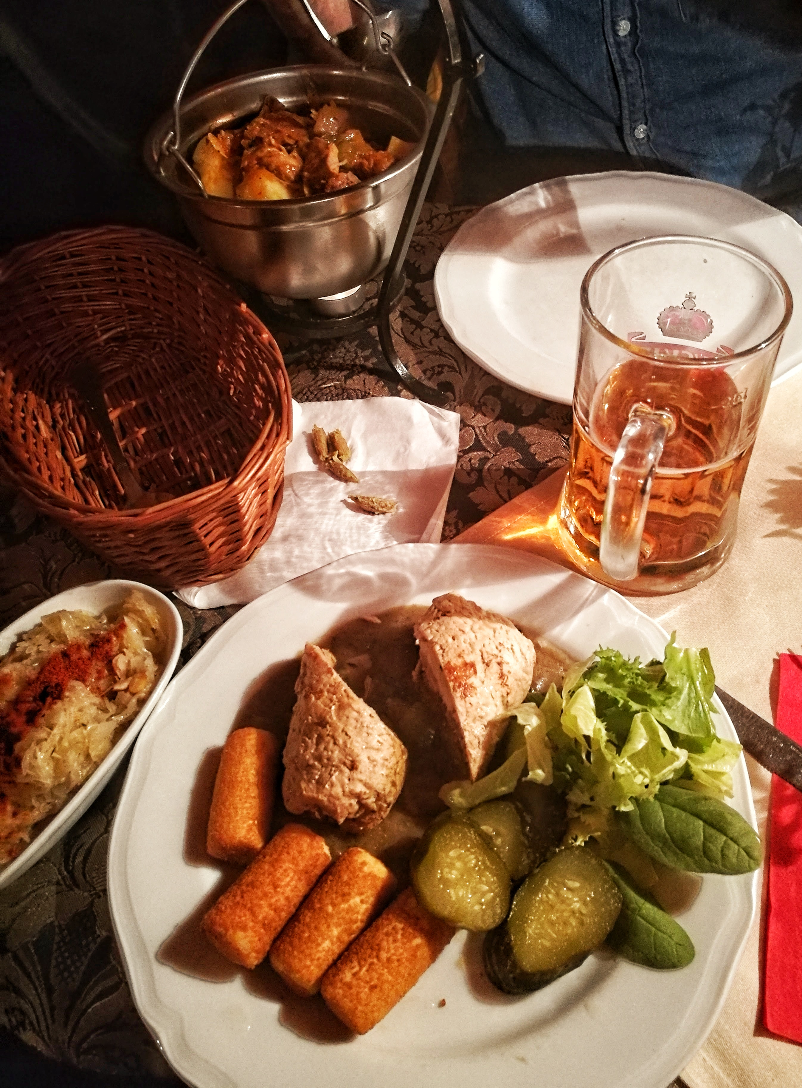 Lengyel töltött hús és az elmaradhatatlan 'kápúsztá'