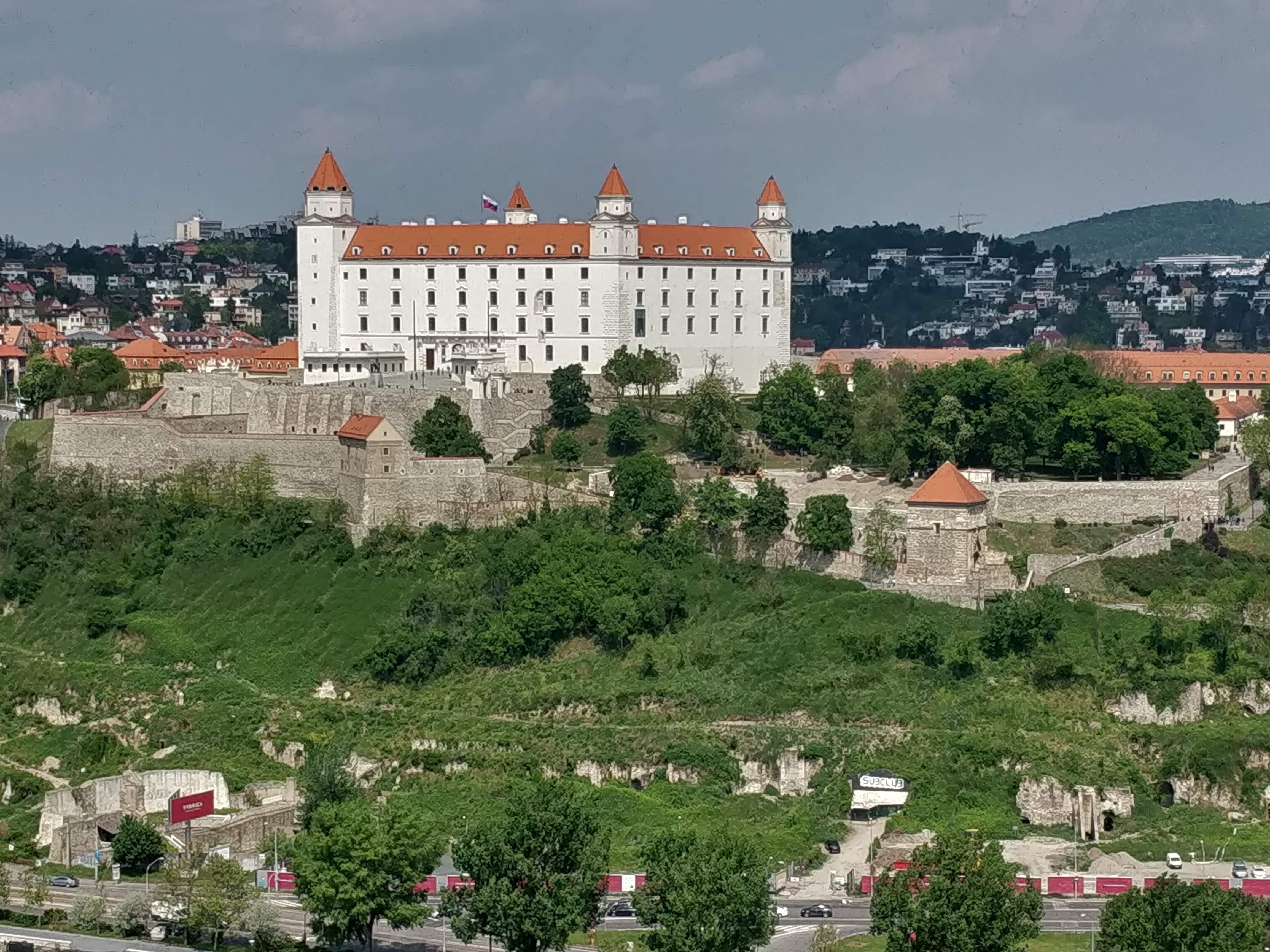 Kilátás a pozsonyi várra
