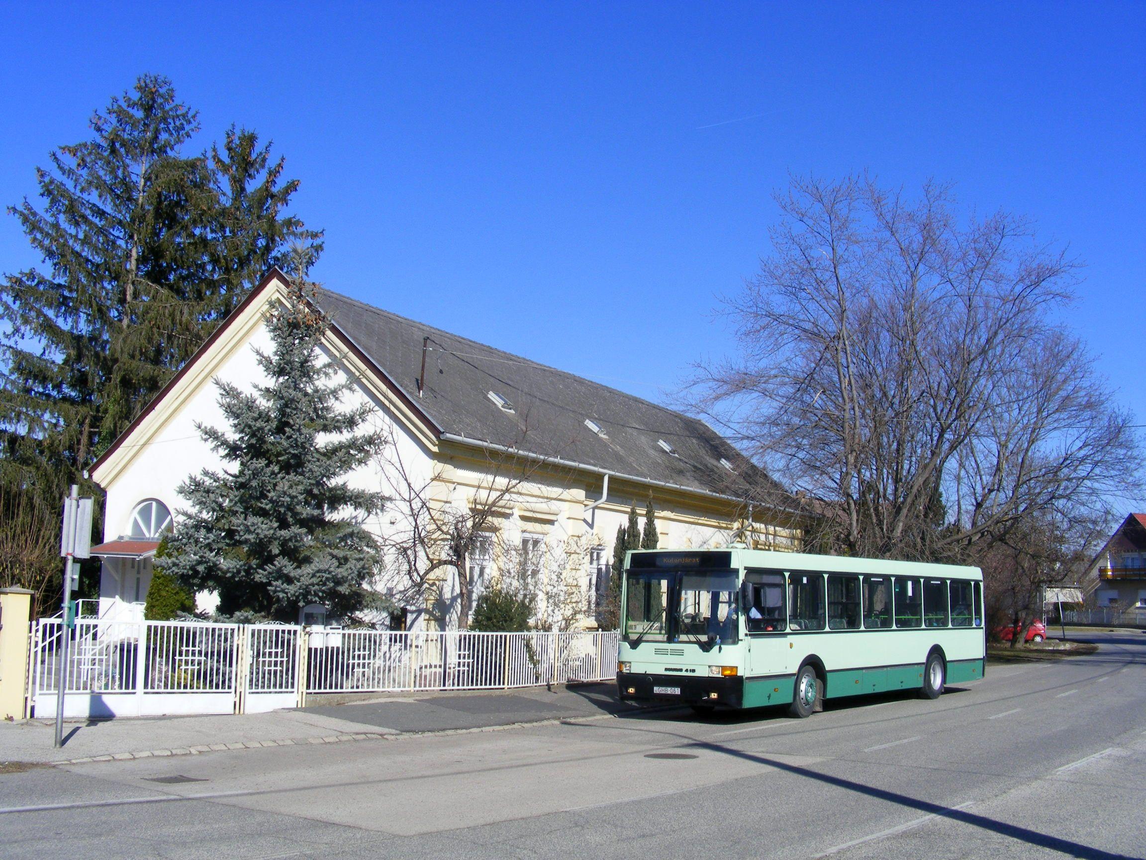 Siófok-Kiliti református templom buszmegálló
