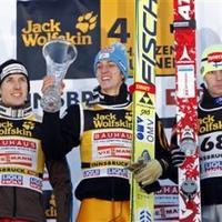 Schlierenzauer magabiztos sikerével még nyílt a 4Sáncverseny