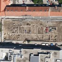 Kutatások Pécs belvárosában 2. - A Kossuth tér középkori és hódoltság kori leletei