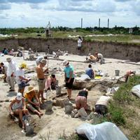 Mindennapi élet egy bronzkori településen - Ásatások Százhalombatta-Földváron