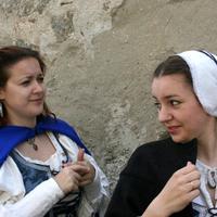 A régi magyarok köntösirül - Magyar női viselet a 16-17. században