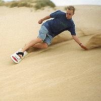 Sandboarding: deszkával a homokban