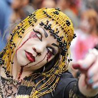 Véres-képes tudósítás a stockholmi Zombie Walkról