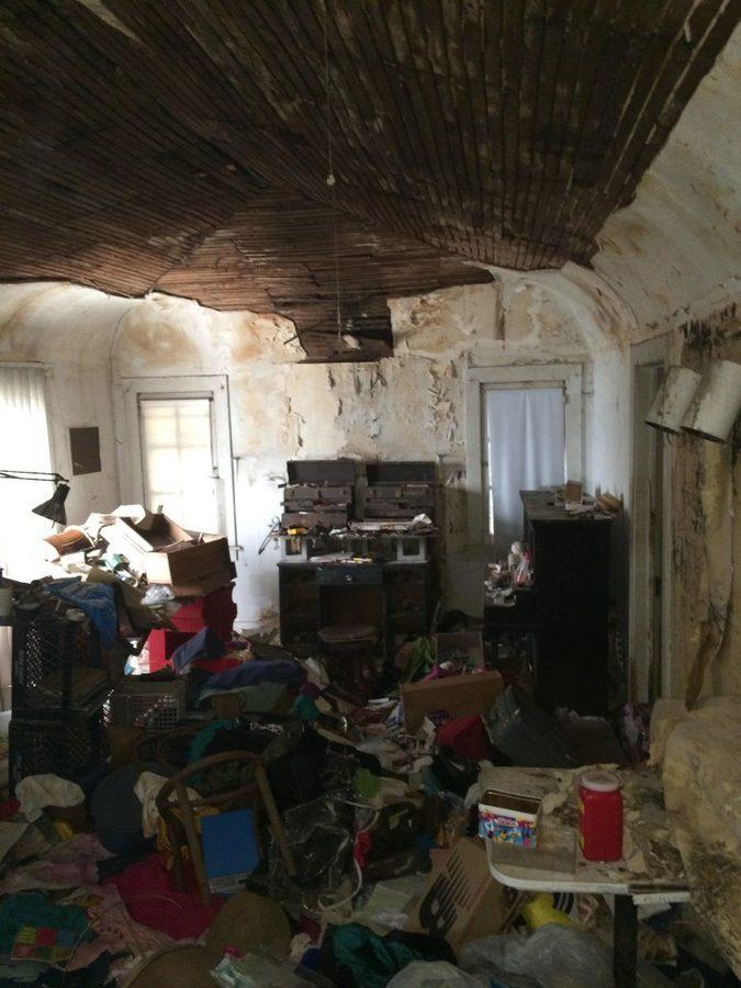 1432827951-syn-15-1432752989-garbage-house-flip-11-de.jpg