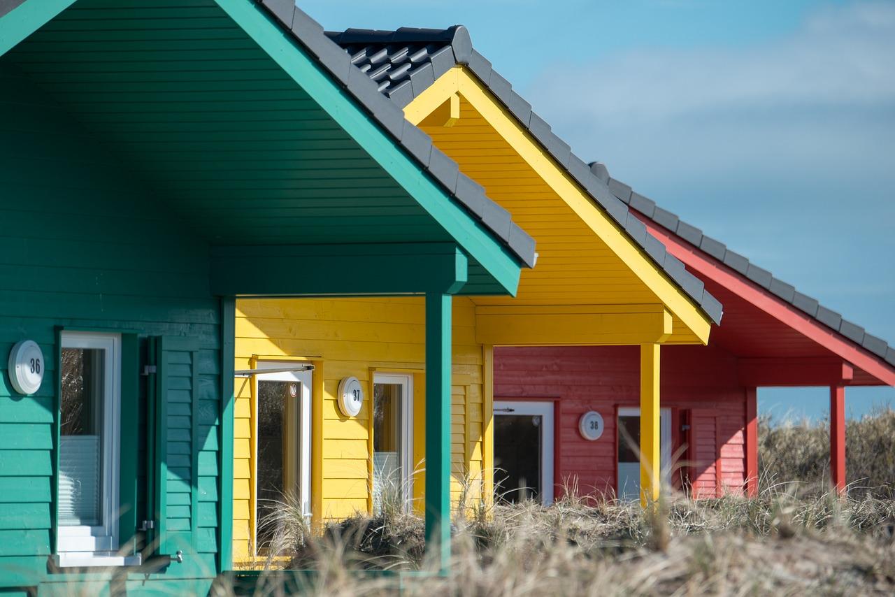 wooden-houses-2164726_1280.jpg