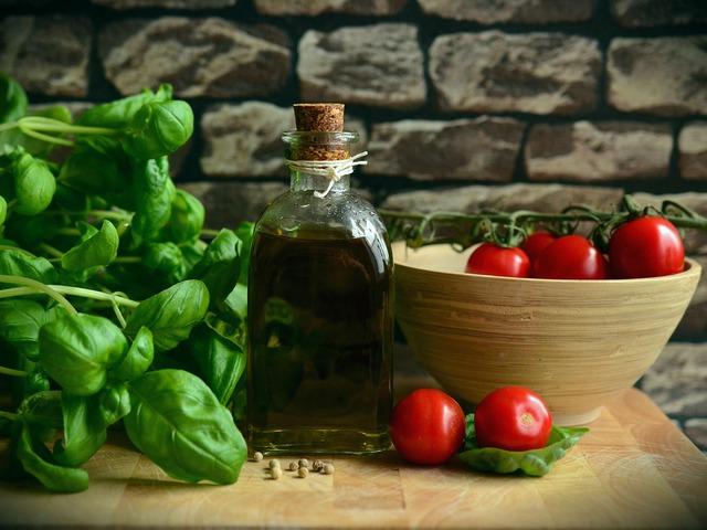 Krémes mediterrán paradicsomleves Smarta konyhájából