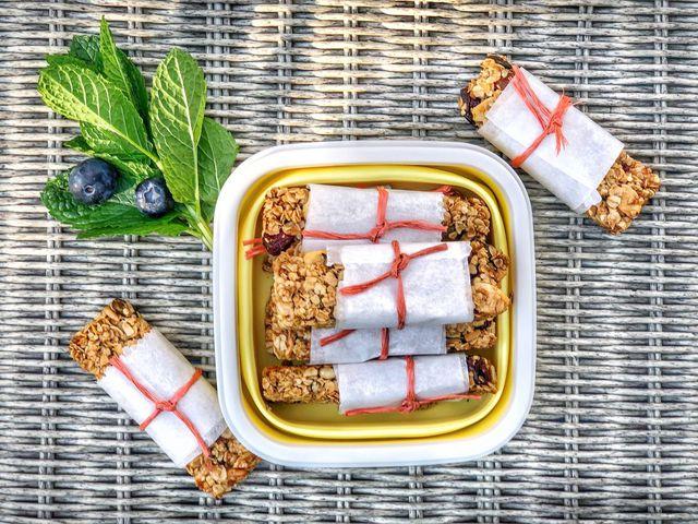 Áfonyás-mandulás granolaszelet Smarta konyhájából