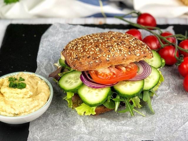 Csicseriborsókrémes szendvics