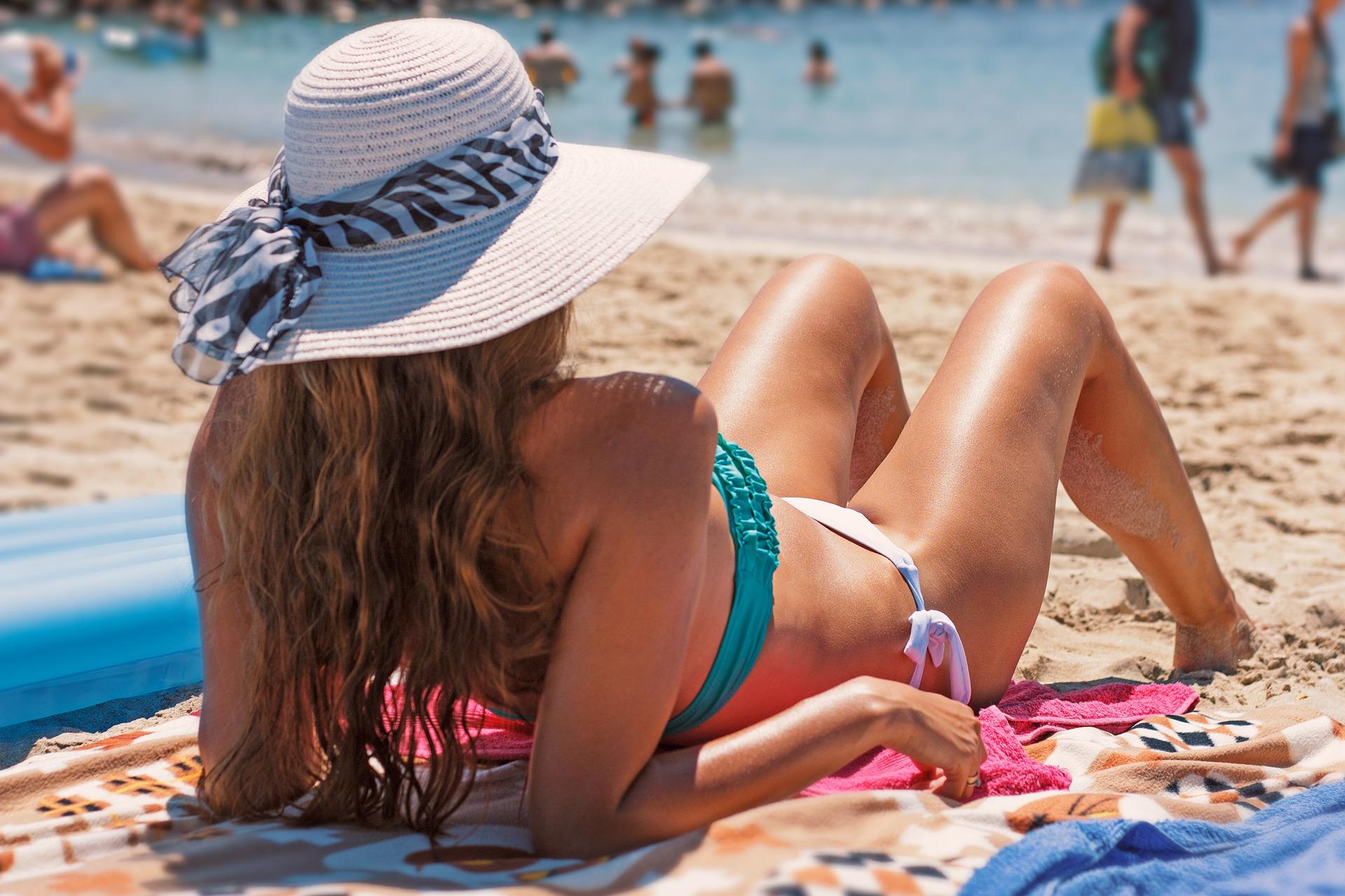 bikini-1959944_1920.jpg