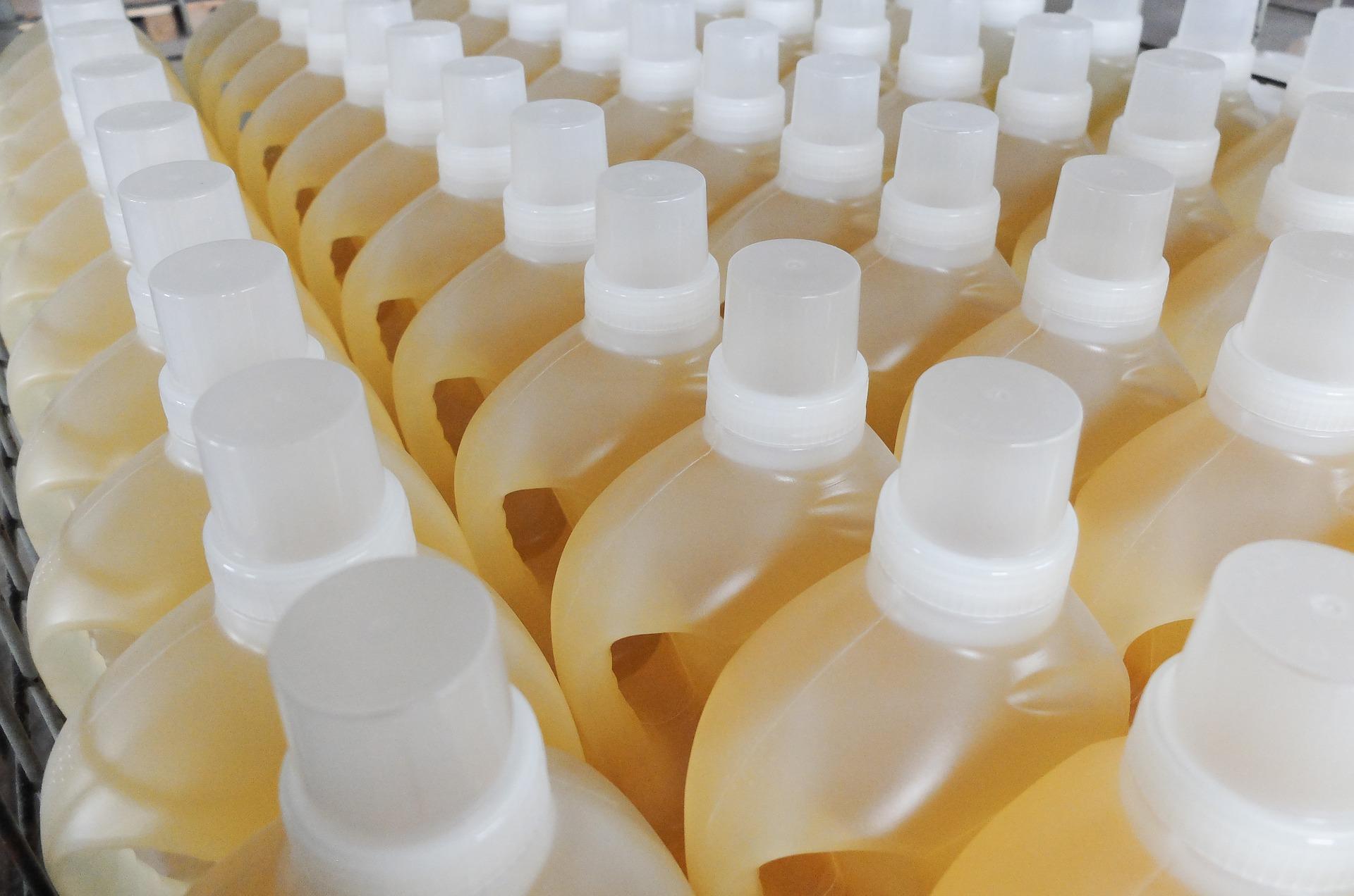 bottles-1453997_1920.jpg