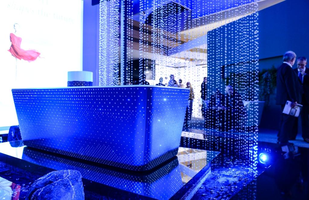 Swarovski kristállyal díszített fürdőkád