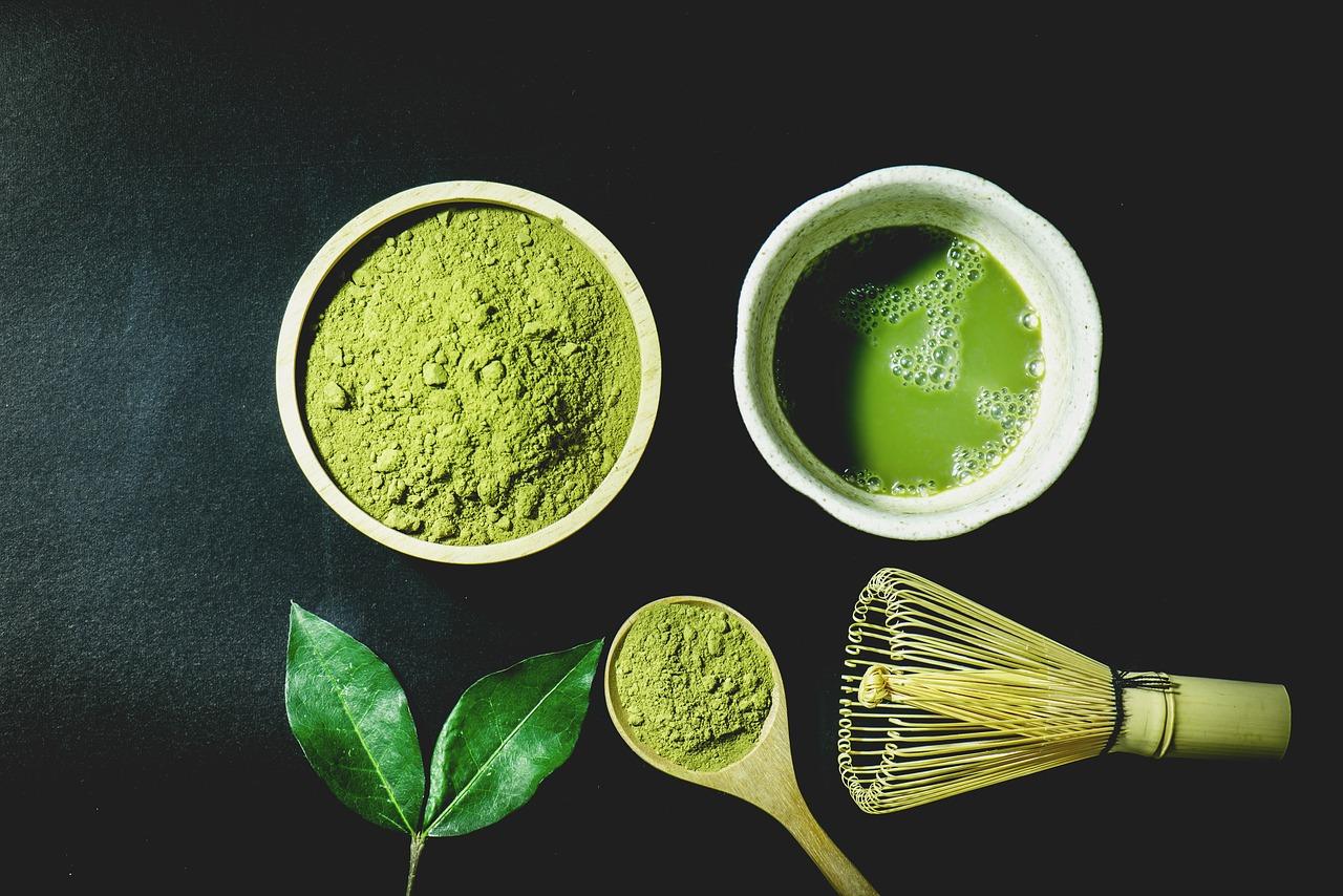 A matcha tea jótékony és káros hatásai nyomában