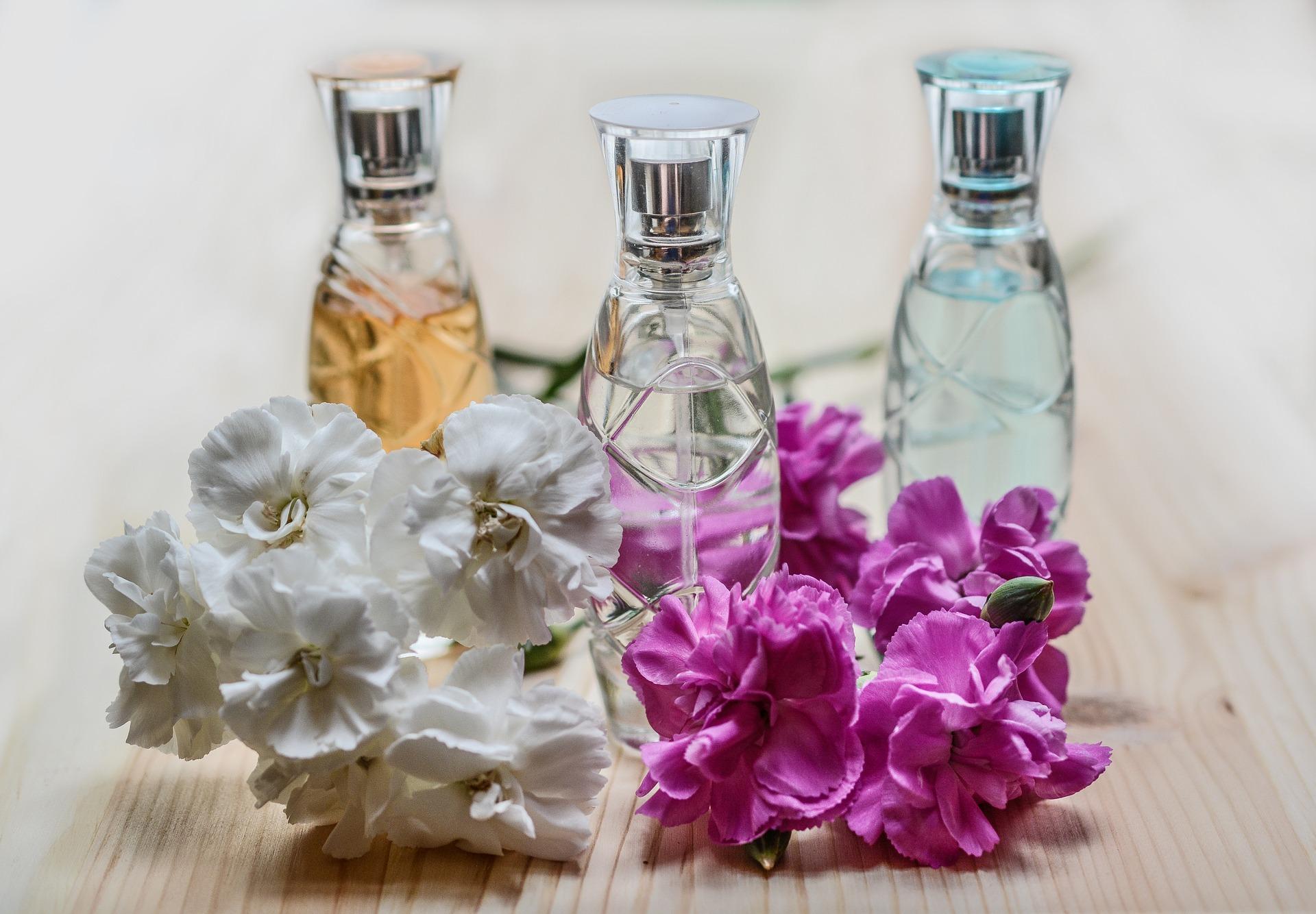 perfume-1433653_1920.jpg