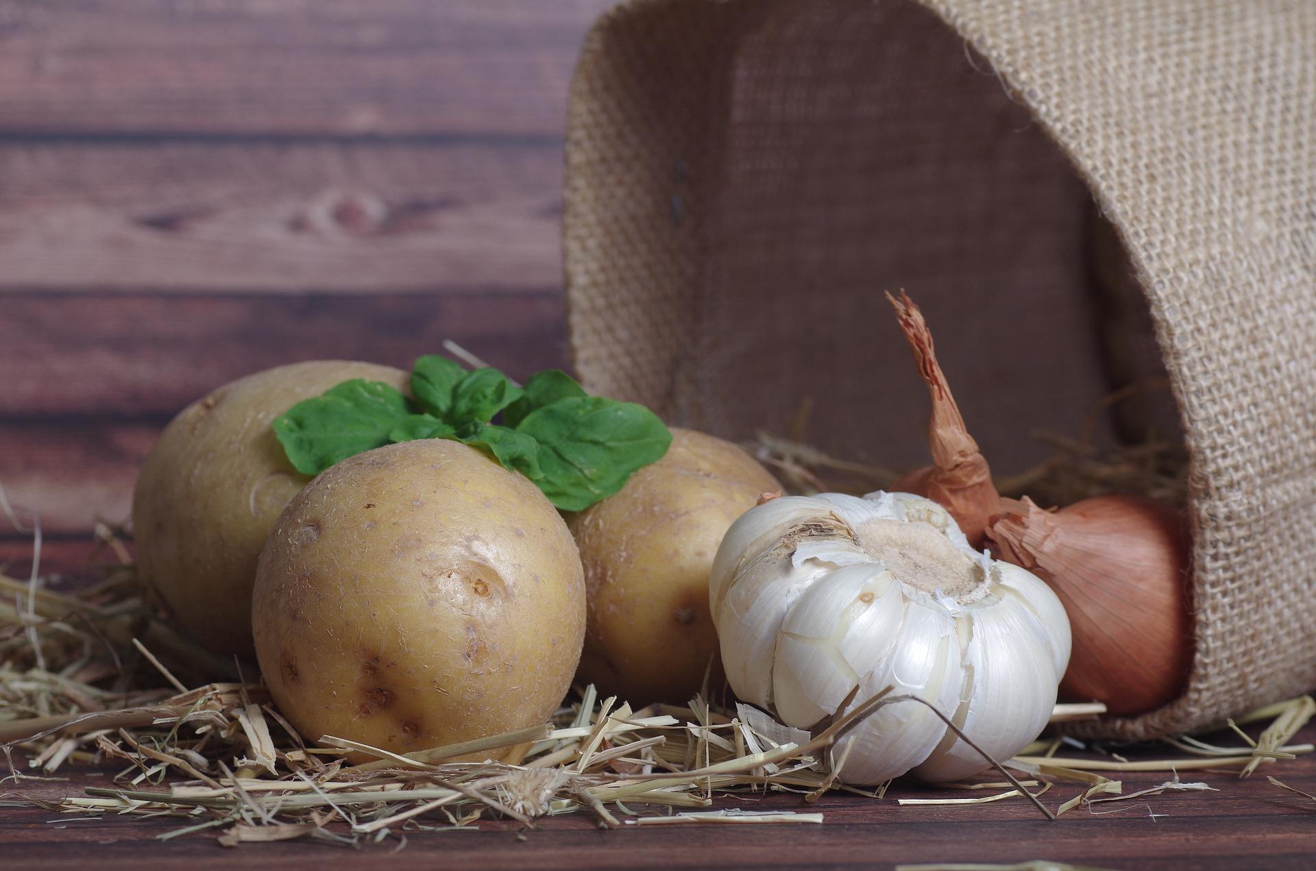 potatoes-2046524_1920.jpg
